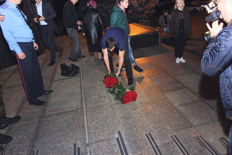 Ошибки избиркома покрыли цветы (фото) - фото 3