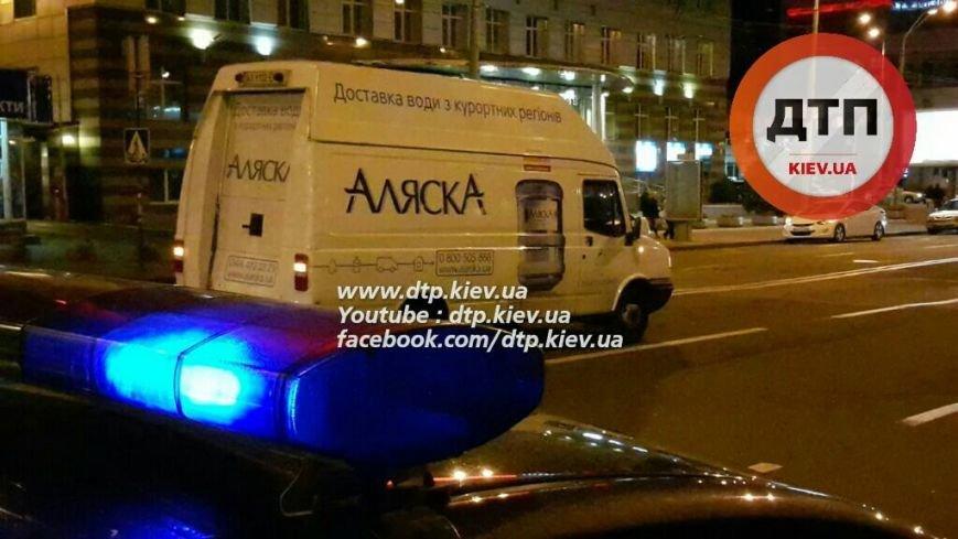 В Соломенском районе водитель микроавтобуса сбил пьяного пешехода (ФОТО), фото-4
