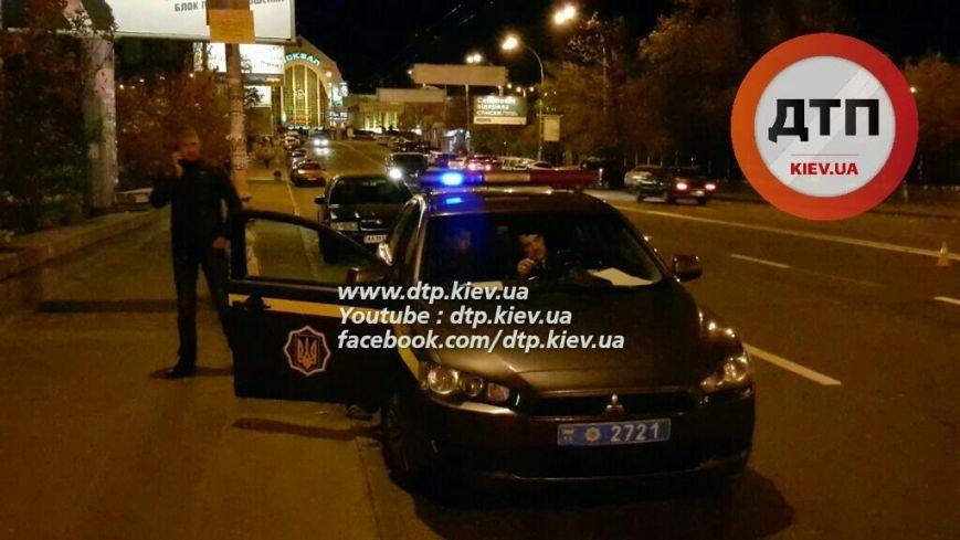 В Соломенском районе водитель микроавтобуса сбил пьяного пешехода (ФОТО), фото-2
