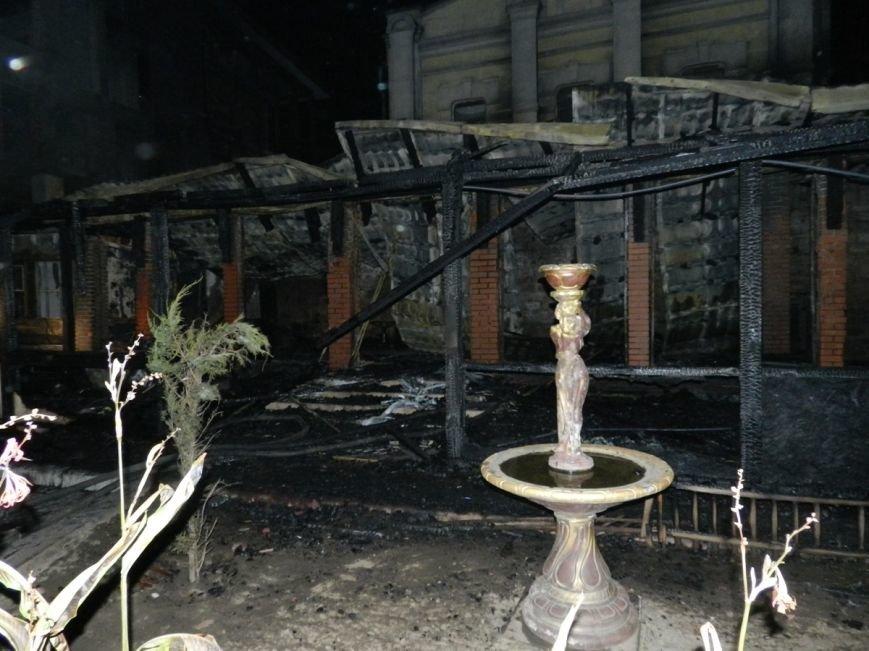 В Херсоне ночью горело кафе (фото) - фото 2