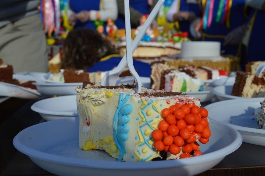 Как запорожцы праздничный торт ели – фото, видео, фото-3