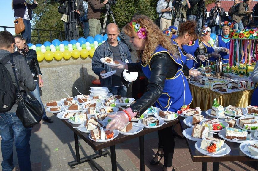 Как запорожцы праздничный торт ели – фото, видео, фото-2