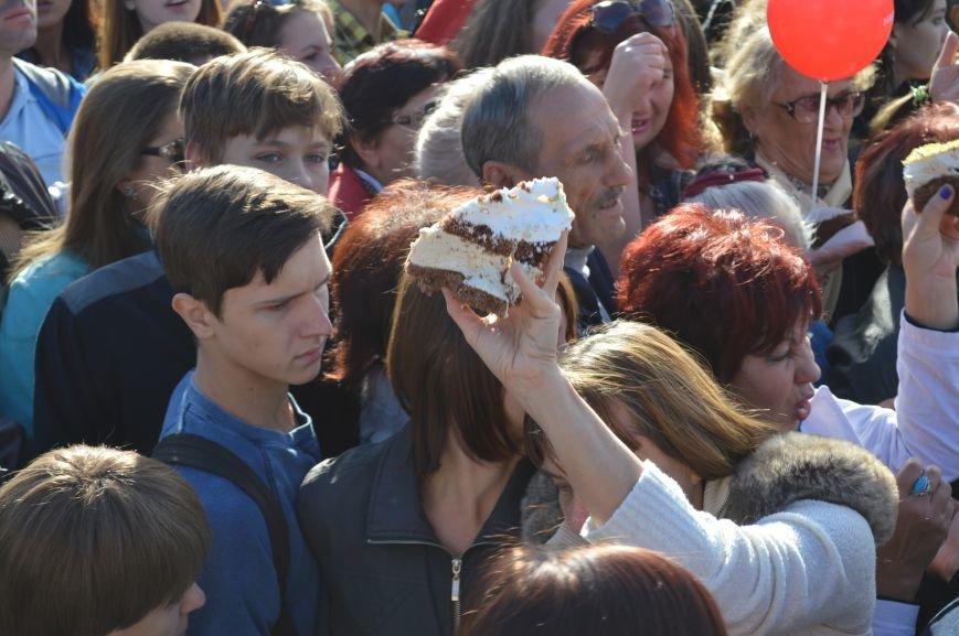 Как запорожцы праздничный торт ели – фото, видео, фото-8