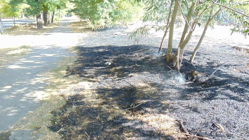 Пожар у базы Нацгвардии в Мариуполе встревожил  местных жителей (ФОТОФАКТ) (фото) - фото 5