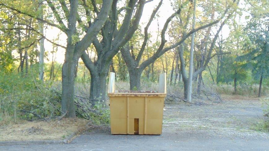В Приморском парке появились мусорники для неимоверных великанов (ФОТОФАКТ) (фото) - фото 2