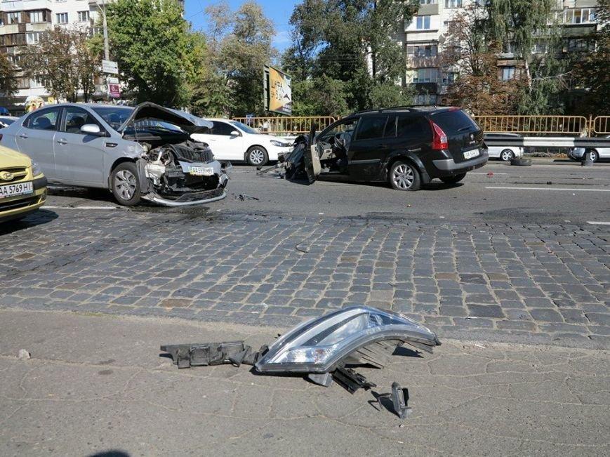 На Победы столкнулись два легковых авто, есть пострадавшие (ФОТО), фото-5