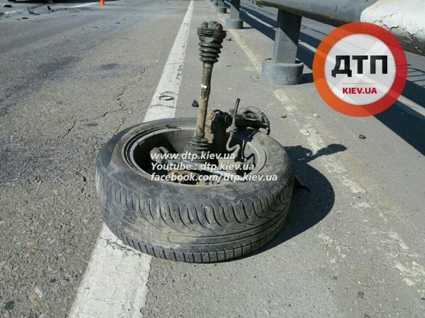 На Победы столкнулись два легковых авто, есть пострадавшие (ФОТО), фото-6