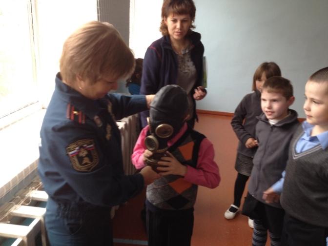 Полевских школьников научили основам спасения (фото) - фото 1