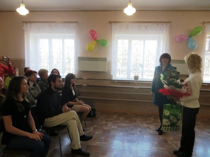 В Слов'янській районній школі мистецтв відзначили Міжнародний день музики та Всеукраїнський день вчителя (фото) - фото 1