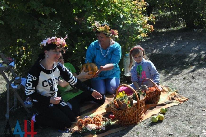 Ярмарку народных мастеров в Донецком ботсаду посетили около 10 тысяч человек (фото) - фото 1