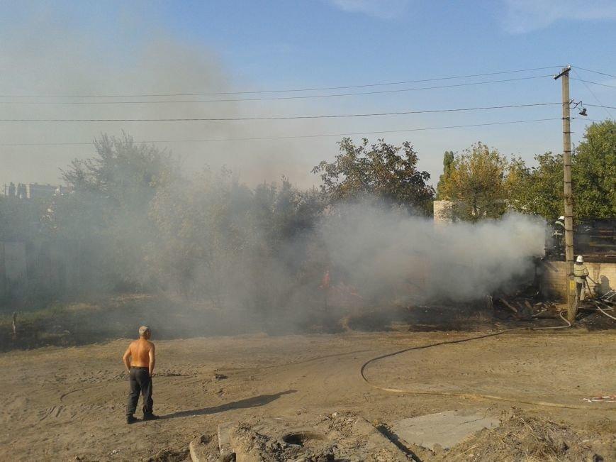 На ул. Дзержинского загорелось частное домовладение (ФОТО), фото-1