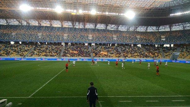 Як львів'яни дивилися футбольний матч «Шахтар» - «Чорноморець» (ФОТОРЕПОРТАЖ) (фото) - фото 1