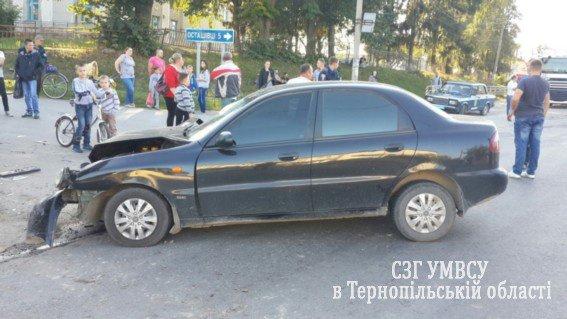 На Тернопільщині зіткнулися вантажний автомобіль і легківка. Є потерпілі (ФОТО) (фото) - фото 1
