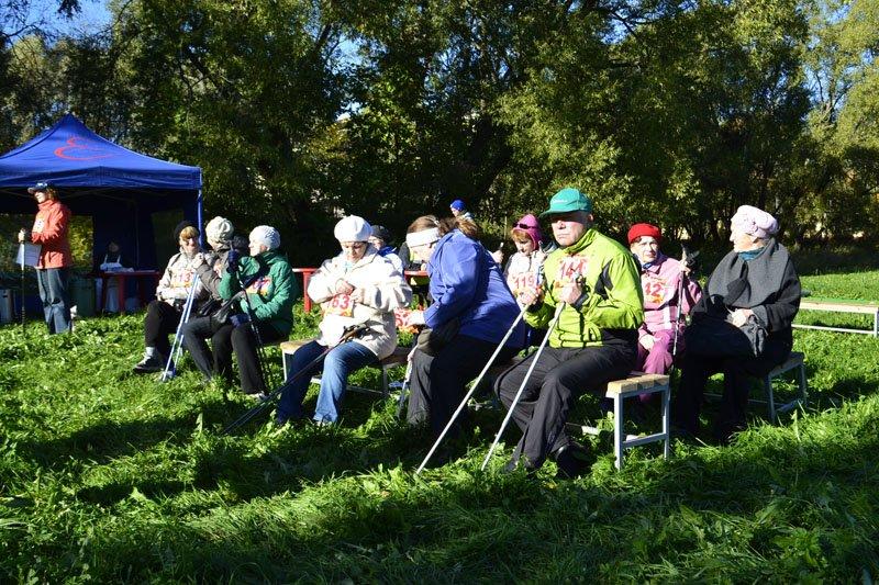 Энергично провели Всероссийский день ходьбы в городе Пушкине (фото) - фото 2