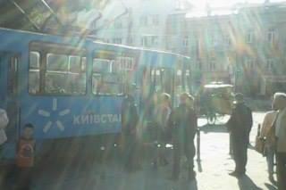 Дівчинку, яка постраждала внаслідок наїзду трамвая, госпіталізували у лікарню для перевірки на струс головного мозку (фото) - фото 3