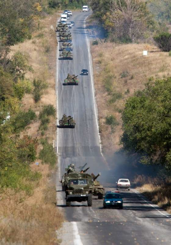 Как выводили танки «ЛНР» из Луганска (ФОТОРЕПОРТАЖ) (фото) - фото 4