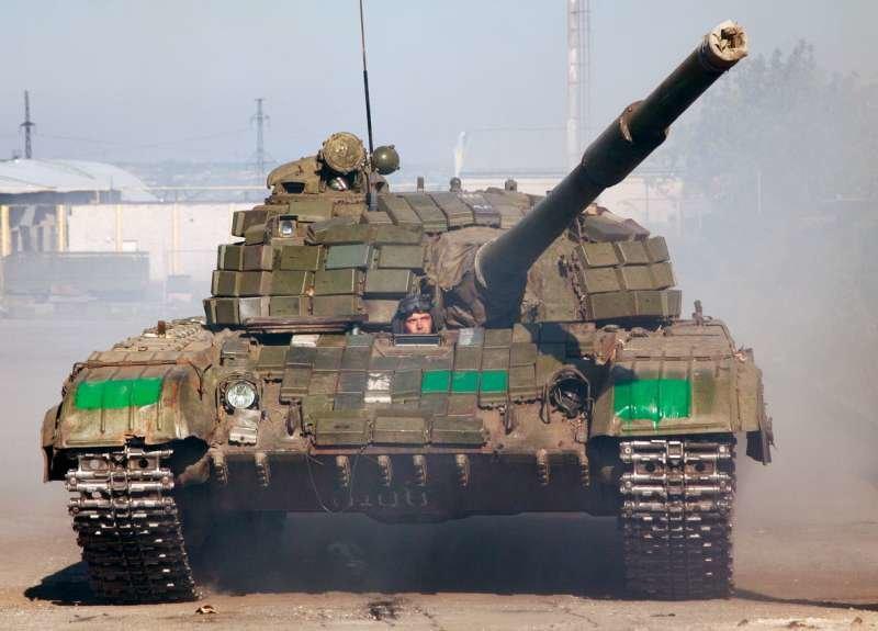 Как выводили танки «ЛНР» из Луганска (ФОТОРЕПОРТАЖ) (фото) - фото 2