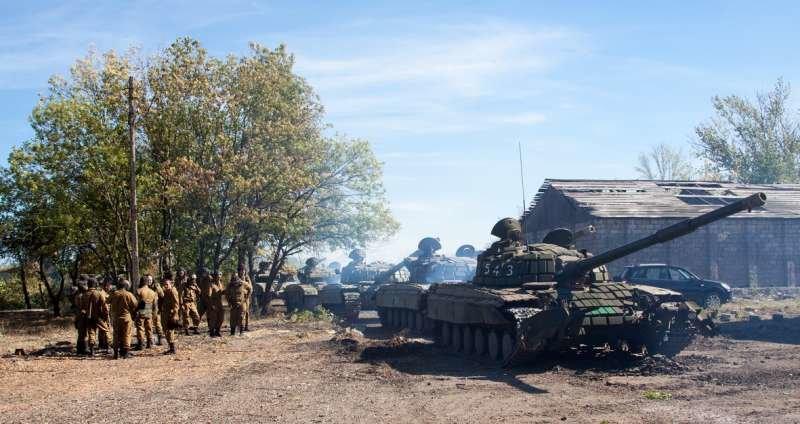 Как выводили танки «ЛНР» из Луганска (ФОТОРЕПОРТАЖ) (фото) - фото 7
