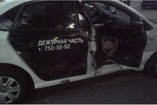 В Харькове пьяный водитель врезался в машину охраны: есть пострадавшие (ФОТО) (фото) - фото 1