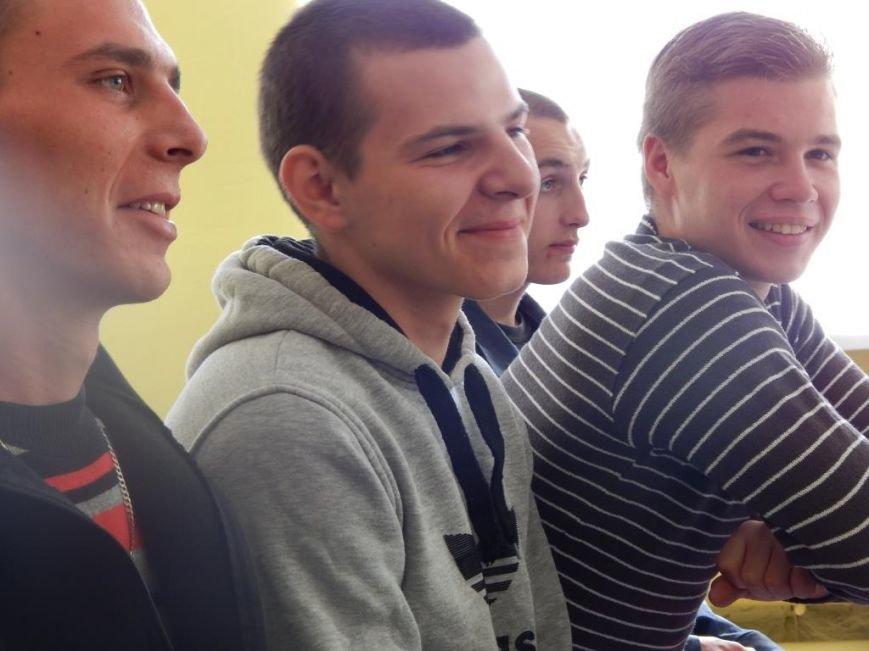 Ребятам из Кременчугской воспитательной колонии устроили встречу с бывшими заключёнными (ФОТО) (фото) - фото 1