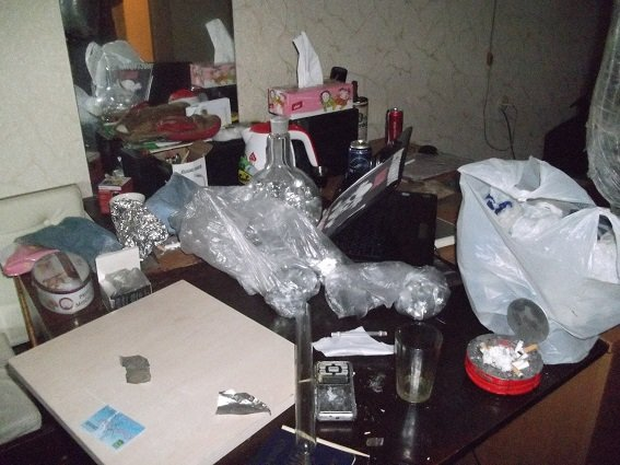 В Соломнеском районе милиция разоблачила нарколабораторию (ФОТО, ВИДЕО) (фото) - фото 3
