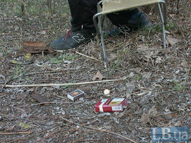 В Киеве возле озера нашли повешенного мужчину (ФОТО) (фото) - фото 1