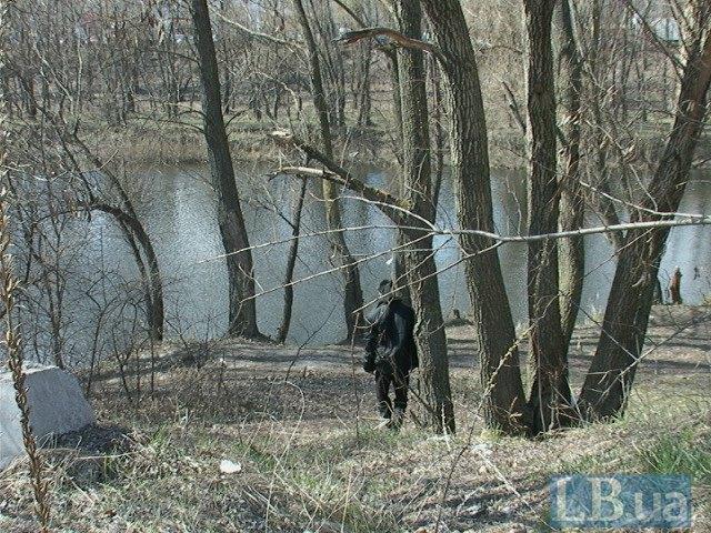 В Киеве возле озера нашли повешенного мужчину (ФОТО) (фото) - фото 3