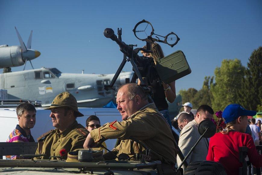 В Киеве прошел фестиваль ретро-автомобилей (ФОТОРЕПОРТАЖ) (фото) - фото 1