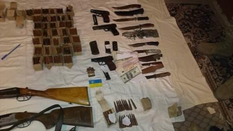 В Луганской области у агента ГРУ нашли большой арсенал оружия (ФОТО) (фото) - фото 1