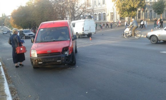 В тяжелом ДТП в Александрии женщине оторвало стопу (ФОТО) (фото) - фото 1