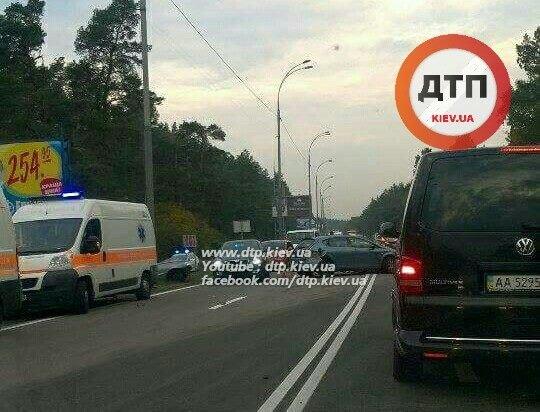 Под Киевом столкнулись три автомобиля, четверо пострадавших (ФОТО), фото-1