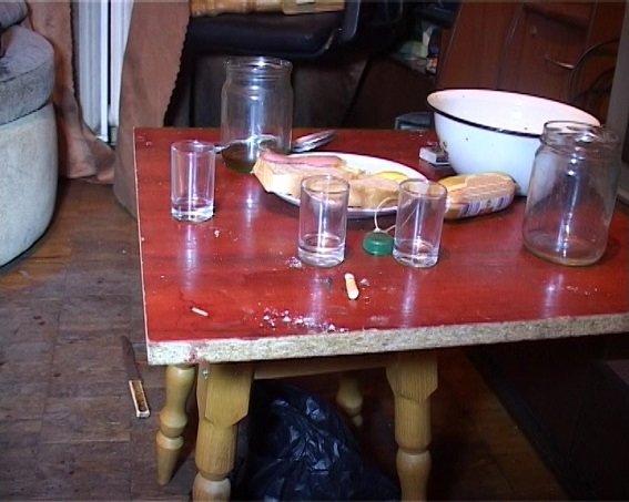 В Деснянском районе именинник зарезал гостя (ФОТО, ВИДЕО) (фото) - фото 2