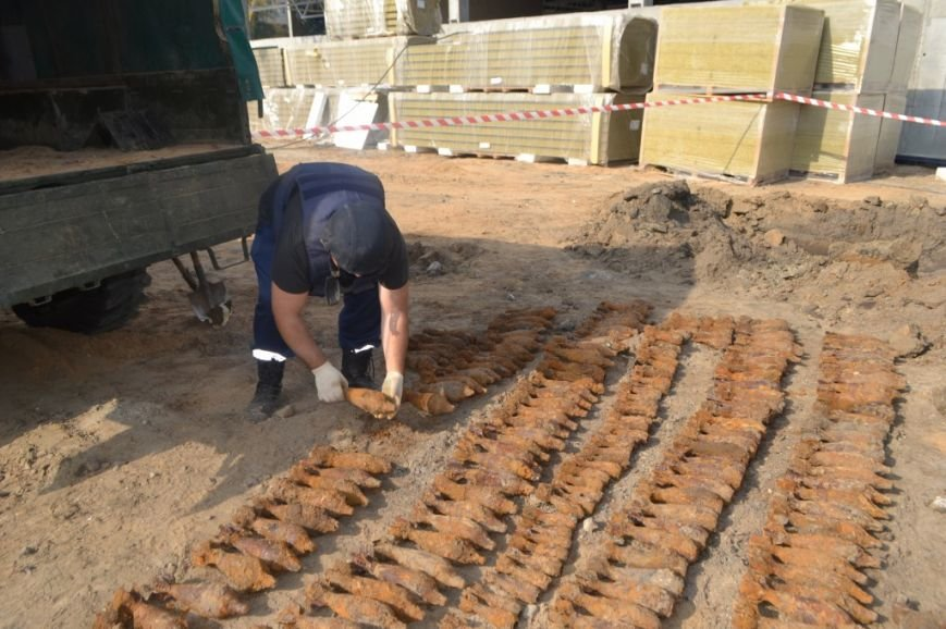 Под Киевом нашли и обезвредили более 300 миномётных мин (ФОТО, ВИДЕО), фото-2