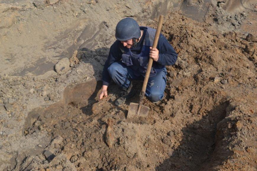 Под Киевом нашли и обезвредили более 300 миномётных мин (ФОТО, ВИДЕО), фото-1