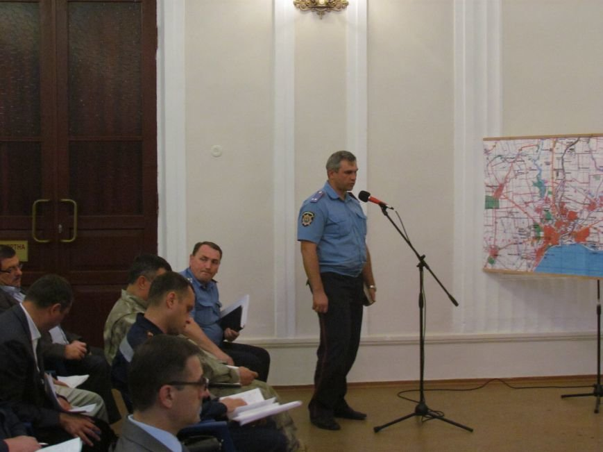 Для охраны стратегических объектов Мариуполя предприняты спецмеры (ФОТО), фото-1