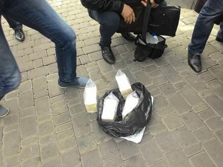 В Киеве задержали банду вымогателей, которой руководил подполковник СБУ (ФОТО) (фото) - фото 3