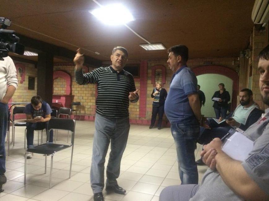 В Мариуполе теркомиссия хотела выгнать журналистов,  зарылась в жалобах и отстранила председателя районной комиссии (ФОТО) (фото) - фото 5