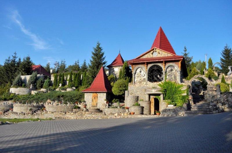 За гроші українці можуть провести час у печері, чи поринути у часи Київської Русі, фото-9