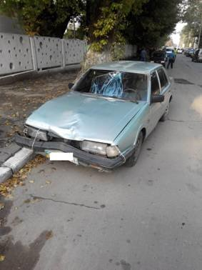 Подробиці аварії у Бориславі: водій втік з місця пригоди, його розшукує міліція (фото) - фото 1