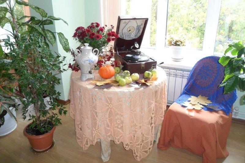 В Горьковке проходит выставка «Крутнем-ка старый патефон!» (фото) - фото 1