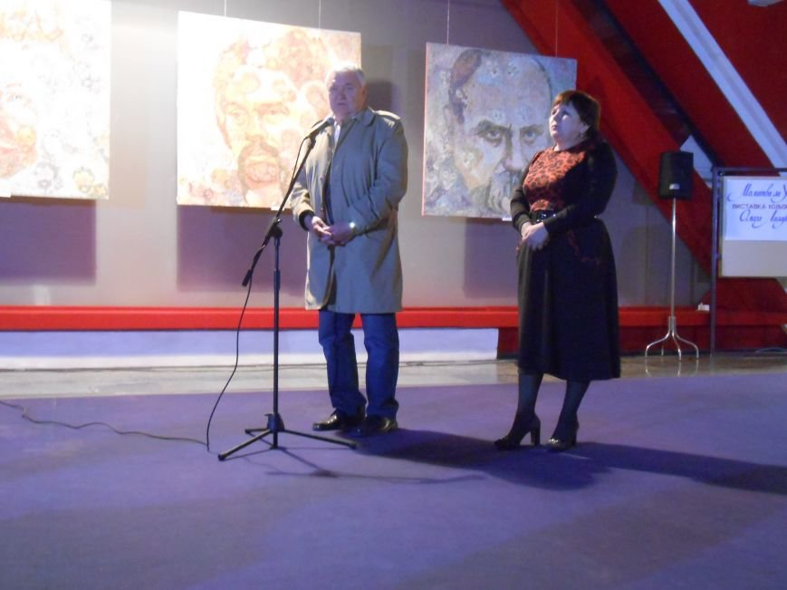 В музее истории Днепродзержинска открылась художественная выставка «Молитва за Украину» (фото) - фото 9