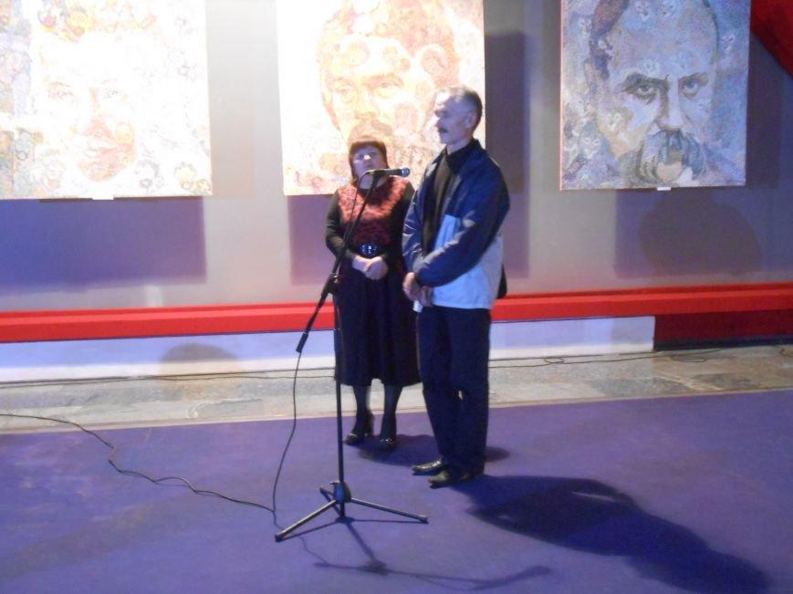 В музее истории Днепродзержинска открылась художественная выставка «Молитва за Украину» (фото) - фото 10