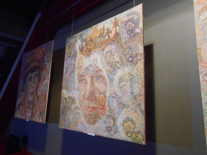 В музее истории Днепродзержинска открылась художественная выставка «Молитва за Украину» (фото) - фото 5