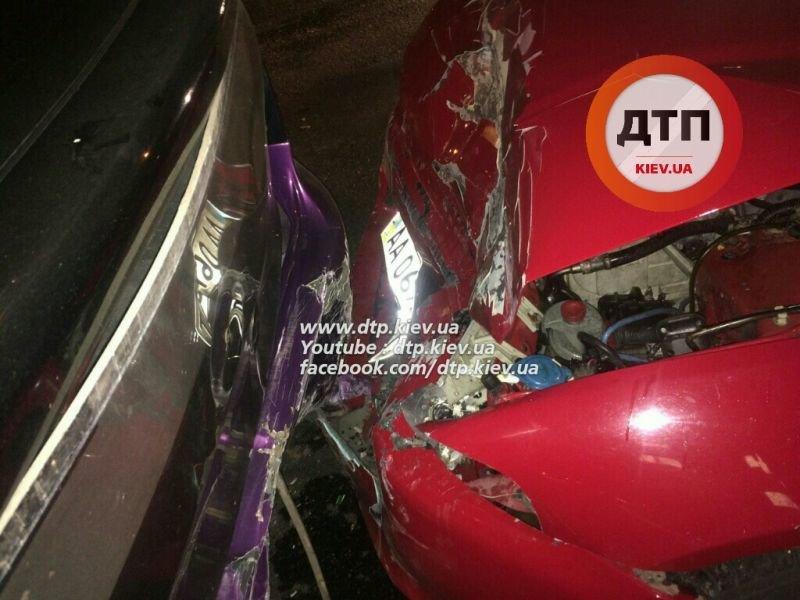 На Одесской площади пьяный водитель разбил три машины (ФОТО), фото-4