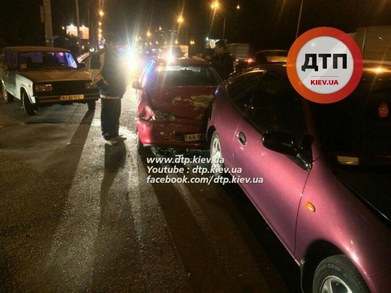 На Одесской площади пьяный водитель разбил три машины (ФОТО), фото-1
