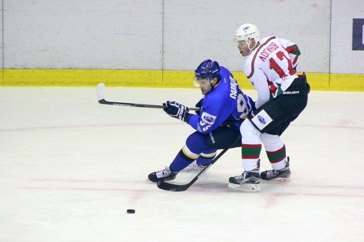 Хоккеисты МХК «Алтай» ушли от поражения за секунду до сирены, но все равно проиграли, фото-4