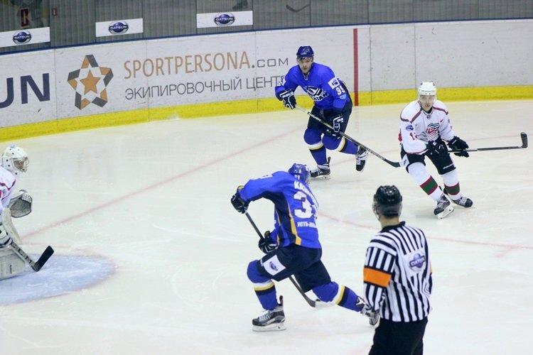 Хоккеисты МХК «Алтай» ушли от поражения за секунду до сирены, но все равно проиграли, фото-2