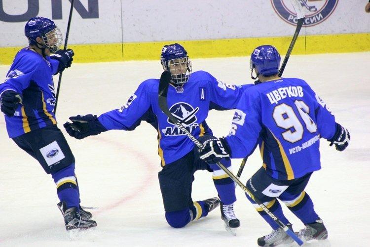 Хоккеисты МХК «Алтай» ушли от поражения за секунду до сирены, но все равно проиграли, фото-6