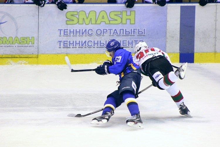 Хоккеисты МХК «Алтай» ушли от поражения за секунду до сирены, но все равно проиграли, фото-5