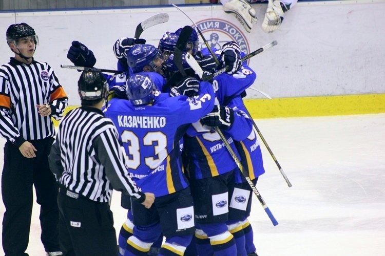 Хоккеисты МХК «Алтай» ушли от поражения за секунду до сирены, но все равно проиграли, фото-7